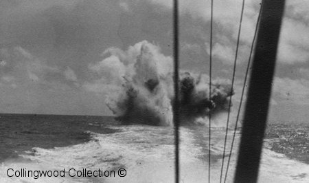 MTB 11 laying depth charges      Photo from the Hide collection ©